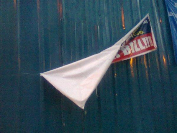 Anti-RH Bill tarp removed.